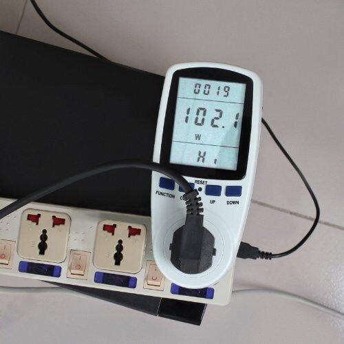 Ваттметр W3600 - измерительный прибор, предназначенный для определения мощности, напряжения и тока для бытовых приборов сети 220